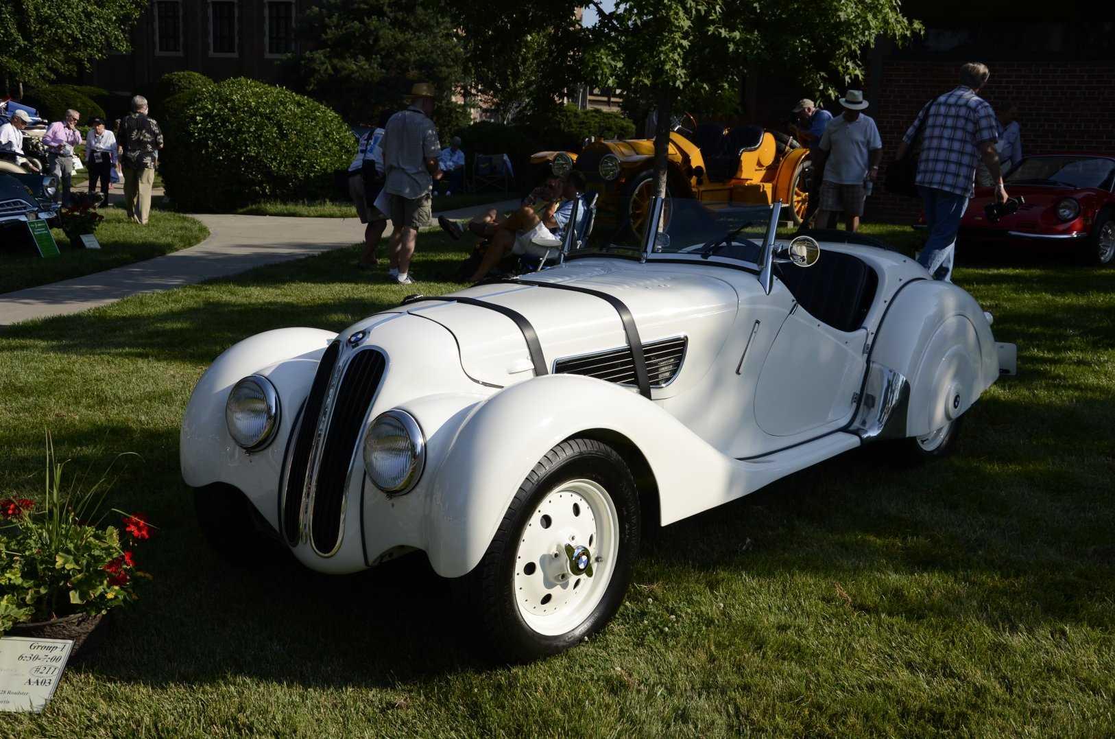 صور اقدم سيارة بي ام دبليو الفئة الثالثة